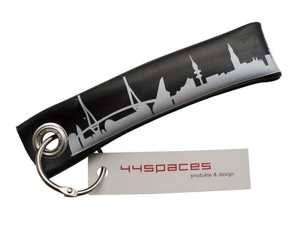 Stadt Hamburg //City weiß handgemacht Schlüsselanhänger aus Filz; Farbe schwarz